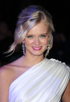 Sara Paxton Screening Relativity Media Shark 6g-taW9sCc3l