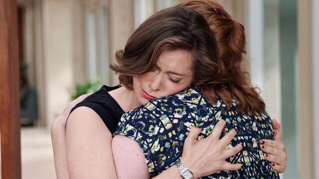 File:1x2 Rebecca and Paula hug2.jpg