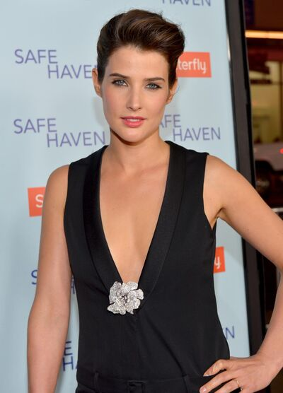 Cobie-smulders-at-event-of-safe-haven-(2013)