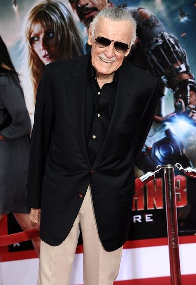 Stan-lee-premiere-iron-man-3-03