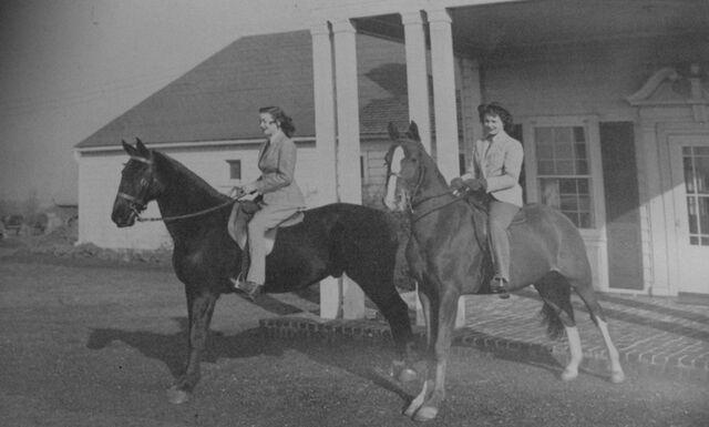 File:Glengarry Stables 1949 flipped.jpg