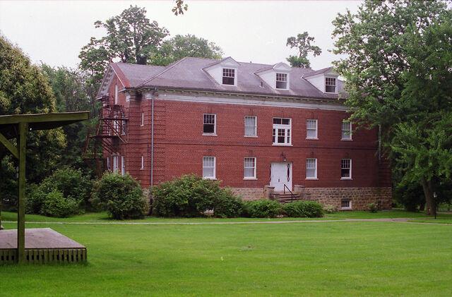 File:Hathaway Hall.jpg