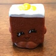 Carrie Carrot Cake toy