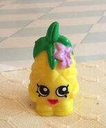 Pineapple crush toy