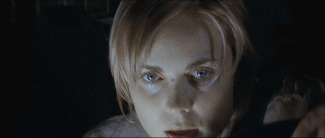 File:Rose sees Dark Alessa (Silent Hill film).jpg