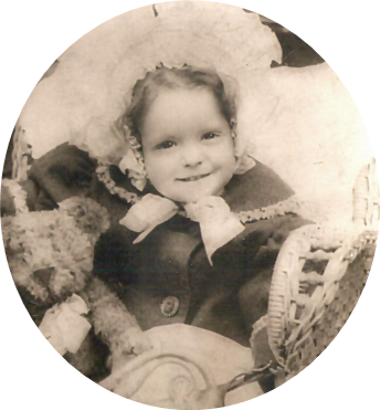 File:Clara Bow at three with a Teddy bear..png