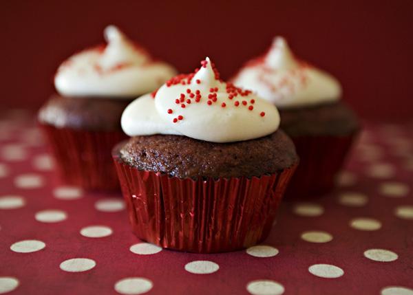 File:Red-velvet-cupcakes 23.jpg