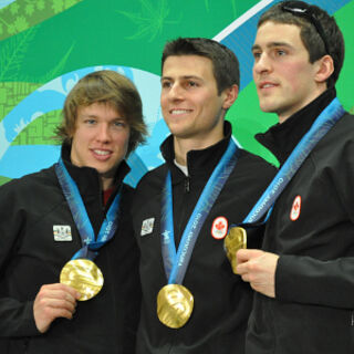 Azurnereich Team members pose with their Gold Medals in Boxing, Riflery and Ice Hockey