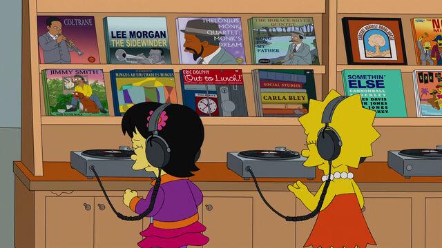 File:Lisa and Tumi listening to Jazz.JPG