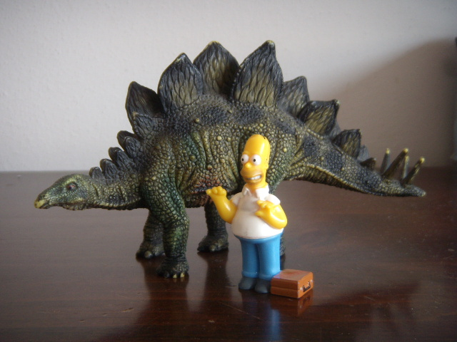 File:Homer Simpson e lo stegosauro.JPG