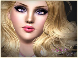 Aurora Lomenson close-up