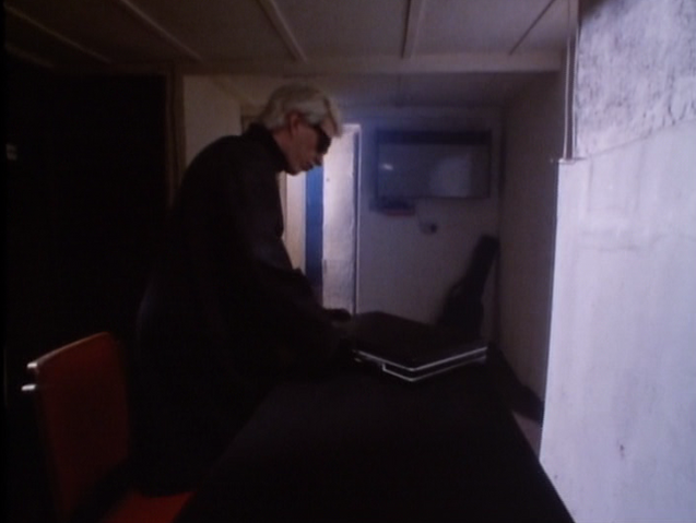File:Steven Severin getting ready.png