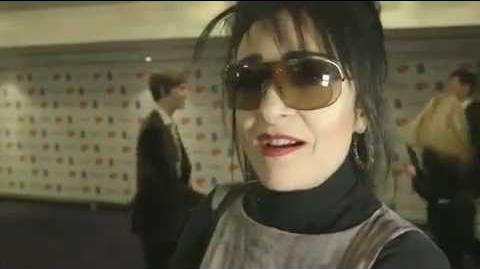 Siouxsie Sioux - Interview (Ivor Novello Awards 2012)