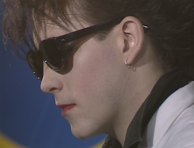 File:Robert Smith side.png