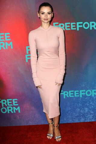 File:Freeform 2017 Upfronts NY Eline Powell.jpg
