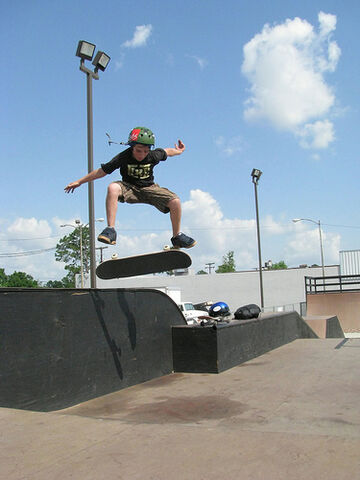 File:Stuck Kickflip.jpg