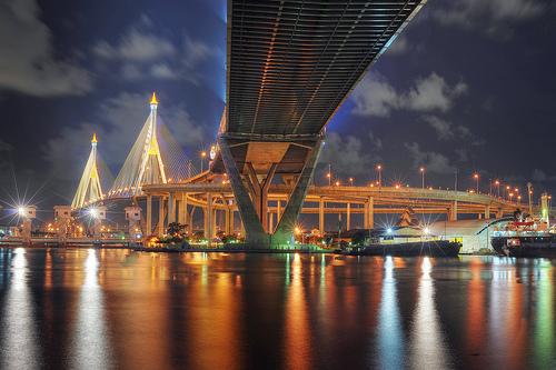 ไฟล์:Bhumibol Bridge - Bangkok.jpg