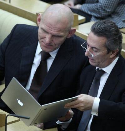 File:2010-09-23-15-08-18-7-united-russia-deputies-alexander-karelin-left.jpeg