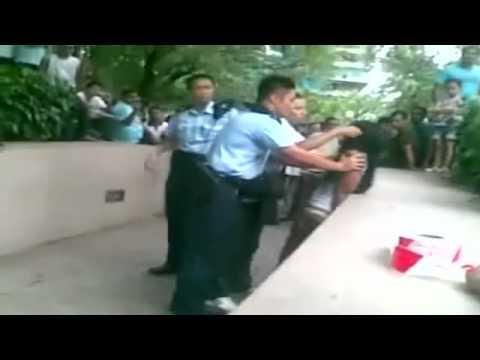 File:Hong Kong police brawl in street.jpg