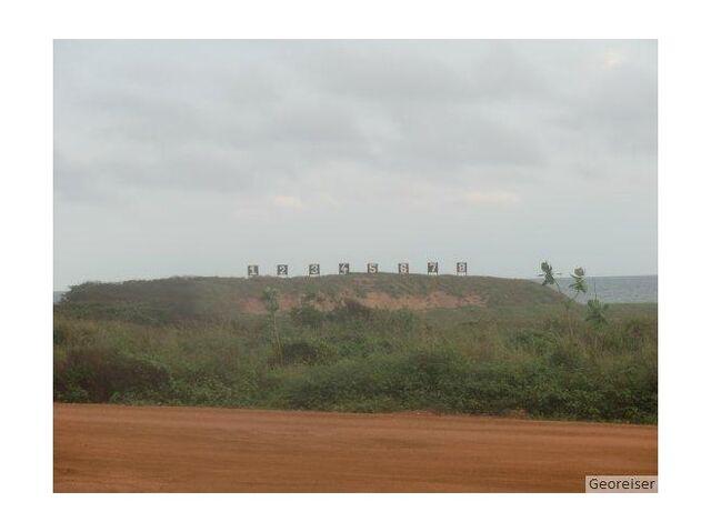 File:5022951-The shooting range at Teshie Road Accra.jpg