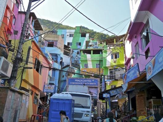 File:Rio de Janeiro mulitcolour favela.jpeg
