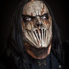 File:Mick Thomson New Mask 2014.jpg