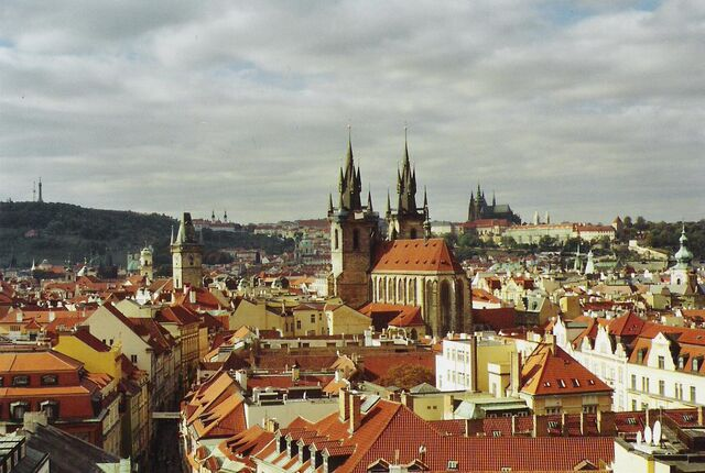 File:Prag-totale.jpeg