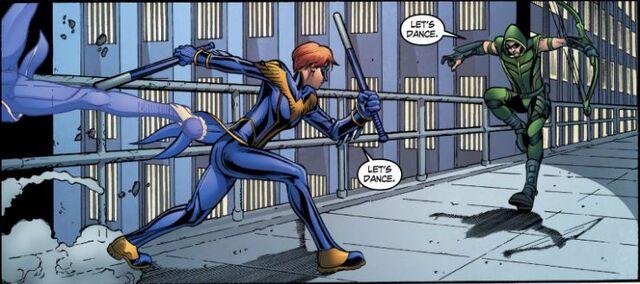 File:Batgirl Smallville SVNightwing v Arrow.jpg