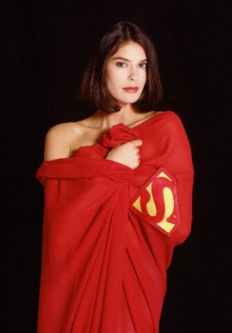 File:Teri-Hatcher-in-Superman-Cape.jpg