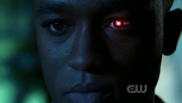 File:SmallvilleS6E11130.jpg