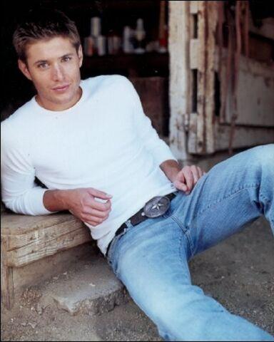 File:Jensen Ackles Alyson Dyer 2004-01.jpg