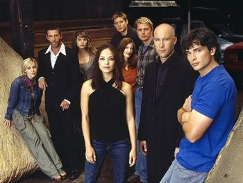 File:SmallvilleSeason4fullcast.jpg