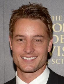 Justin-hartley-chrishell-strause-daytime-emmy-awards-2014-02