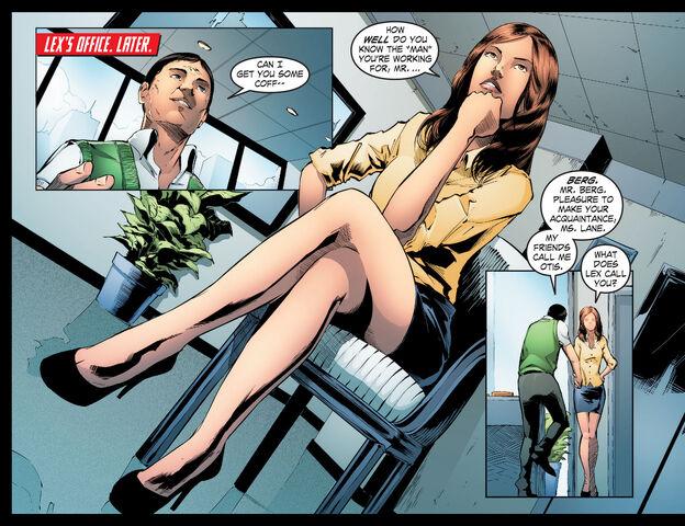 File:Smallville Season 11 026 (2012) (Digital) (K6DVR-Empire) 03.jpg