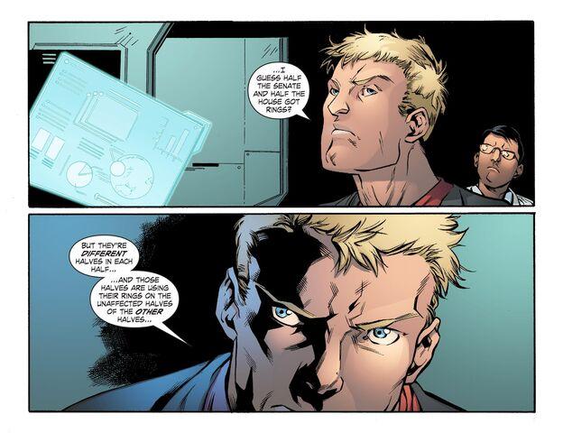 File:Smallville - Lantern 010-003.jpg