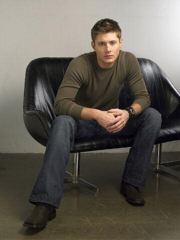 File:Jensen Ackles 2004 by John Russo - 12007.jpg