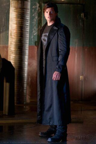 File:Smallville's Superman.jpg