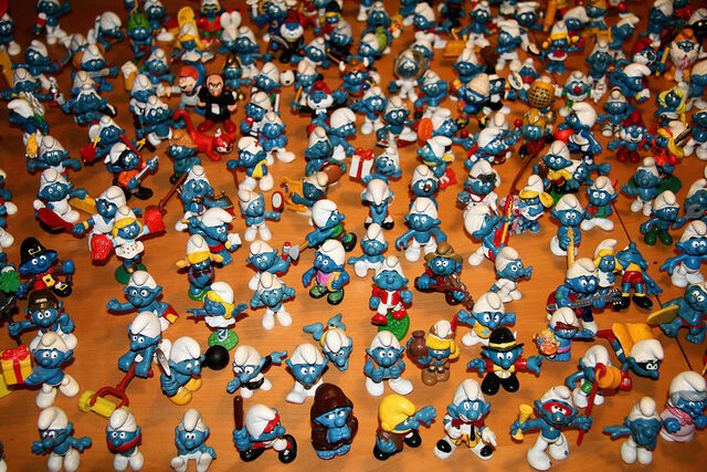 File:Smurfs-Wallpaper-the-smurfs-6365807-1024-768.jpg