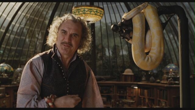 File:Billy-Connolly-as-Dr-Montgomery-Montgomery-in-Lemony-Snicket-s-A-Series-Of-Unfortunate-Events-billy-connolly-29305800-1360-768.jpg