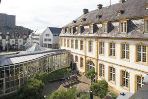 Innenhof Marienburg WHU (2)