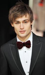 Douglas-booth-mens-hair-trends-2012