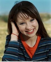 Emily-Browning-006