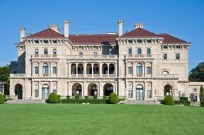 Newport-mansions-breakers-1