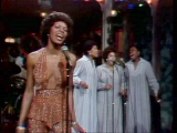 File:Martha-reeves-performs-higher-and-higher-12-20-75.jpeg