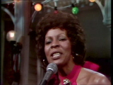 File:Martha-reeves-performs-silver-bells-12-20-75.jpeg