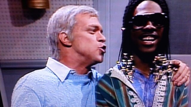 File:As Frank Sinatra with Eddie Murphy (playing Stevie Wonder) in the Ebony and Ivory sketch.JPG