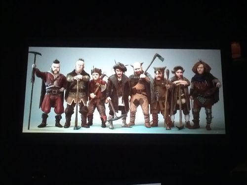 File:Snow-White-Huntsman-Dwarves-Lo-thumb-500x375-27880.jpg