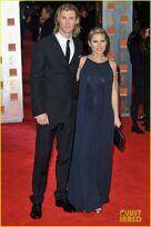 Elsa-pataky-chris-hemsworth-baftas-04