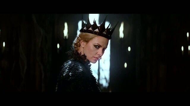 File:Evil Queen 2.jpg