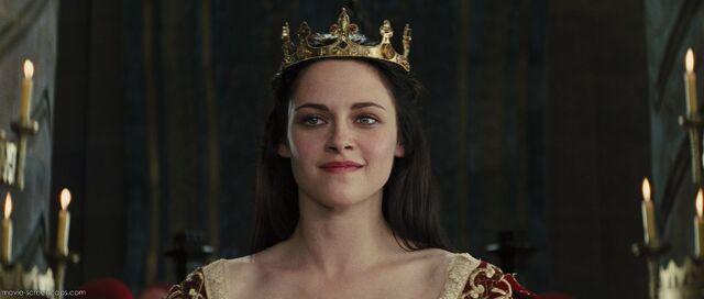 File:Queen Snow White.jpg